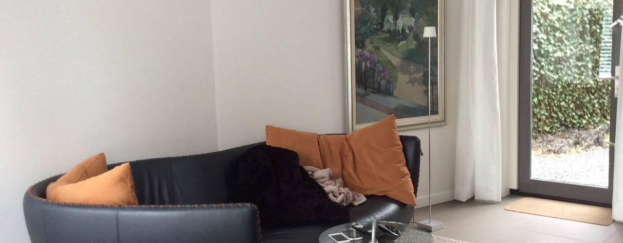 Uitbreiding Villa in Laren, 2 troeven in 1 Moderne mediakamers van Studio Inside Out Modern