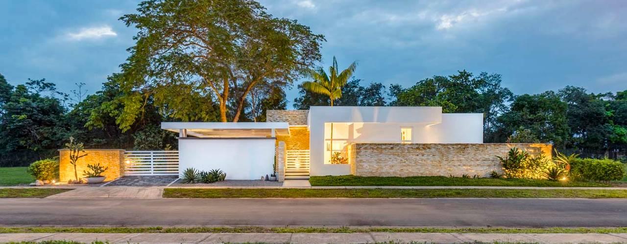 Casas modernas de David Macias Arquitectura & Urbanismo Moderno