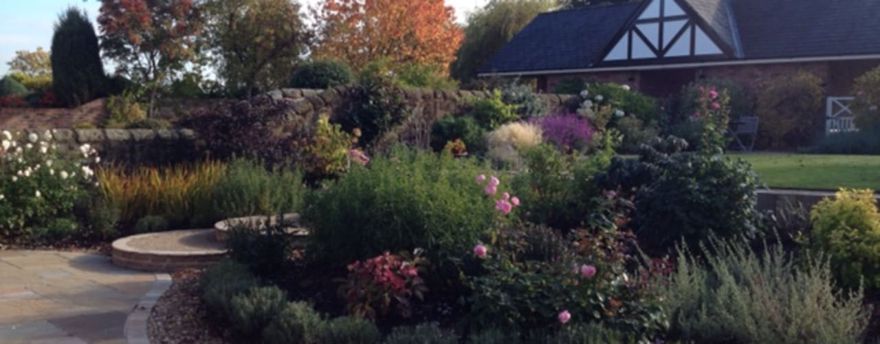 A Cheshire Country Cottage Garden Country style garden by Charlesworth Design Country