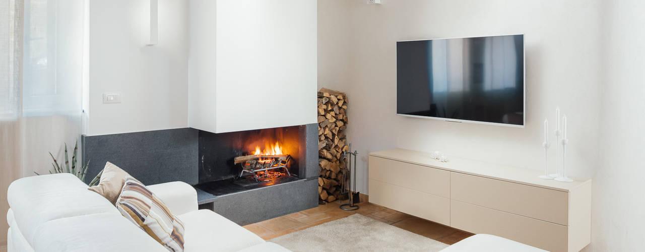 Casa A+M manuarino architettura design comunicazione Soggiorno moderno Bianco