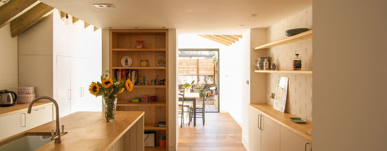 OLDFIELD ROAD Modern kitchen by Bradley Van Der Straeten Architects Modern