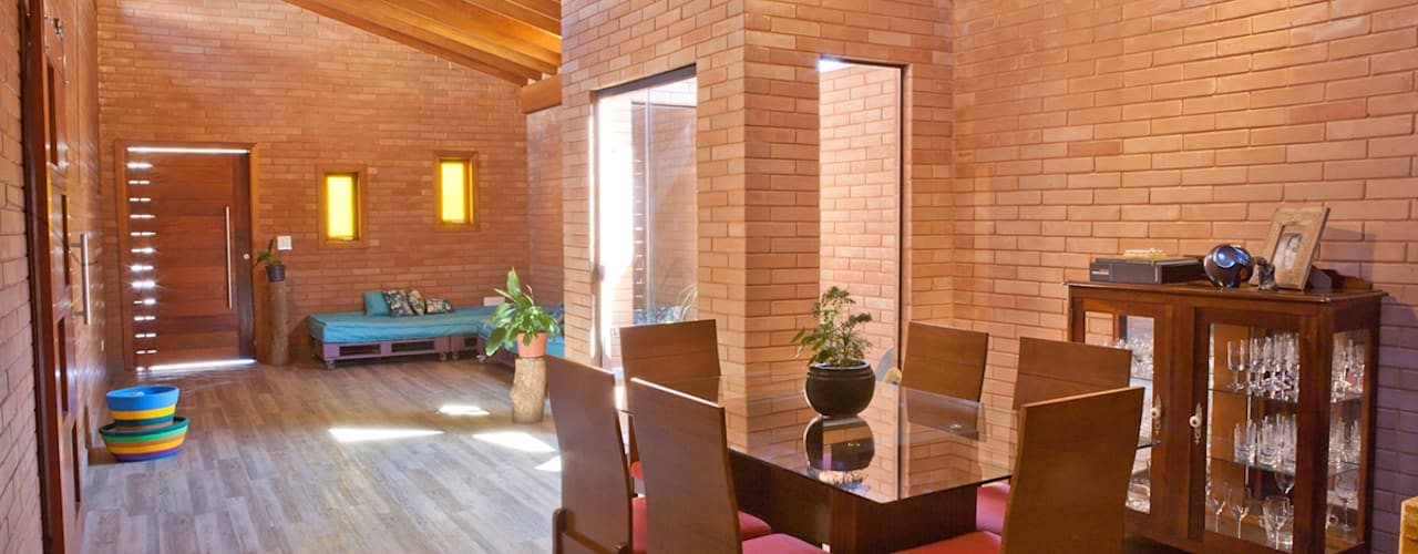 Dining room by EKOa Empreendimentos Sustentáveis