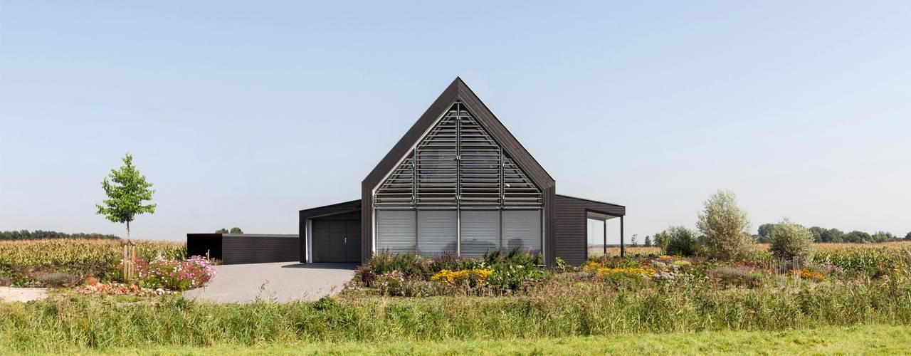 Woonhuis Bonkelaarsdijk:  Huizen door GeO Architecten, Modern