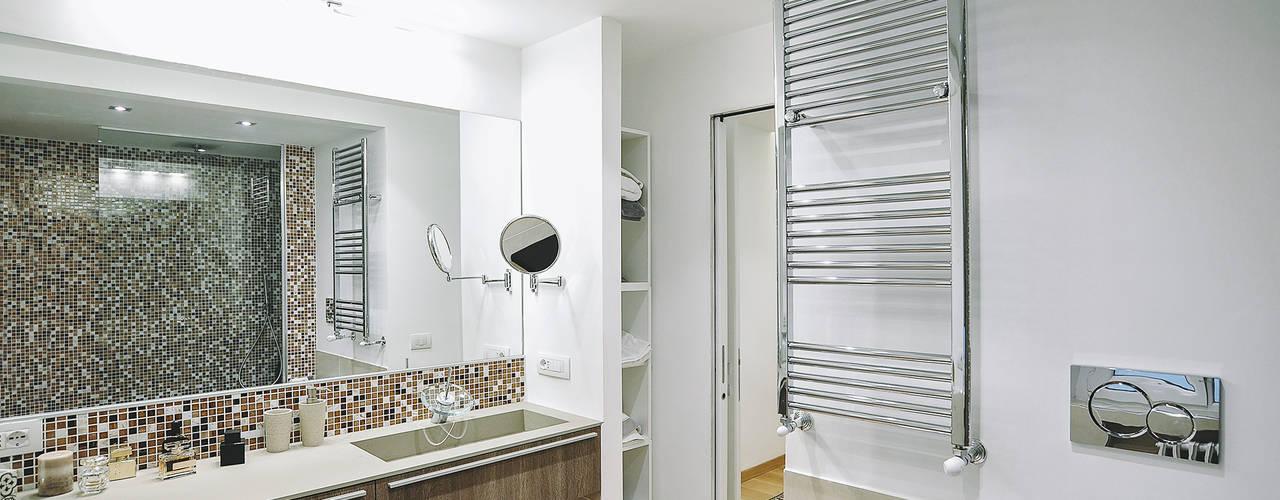 Modern bathroom by piano a Modern
