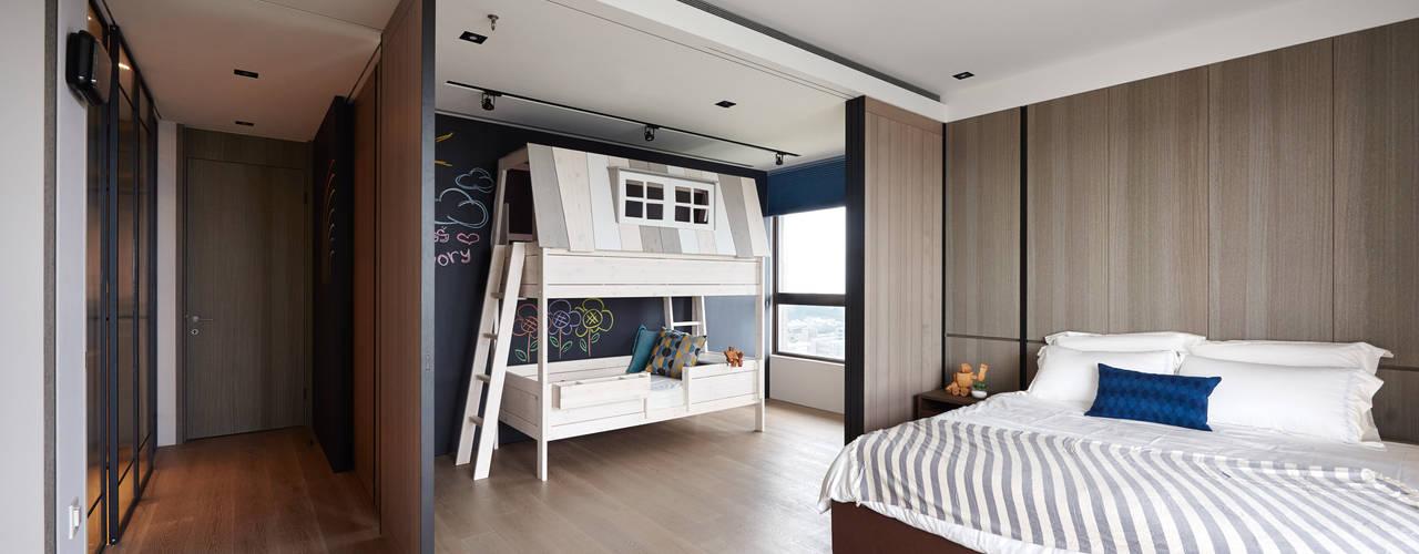 林口楊宅:  嬰兒房/兒童房 by 大觀室內設計工程有限公司