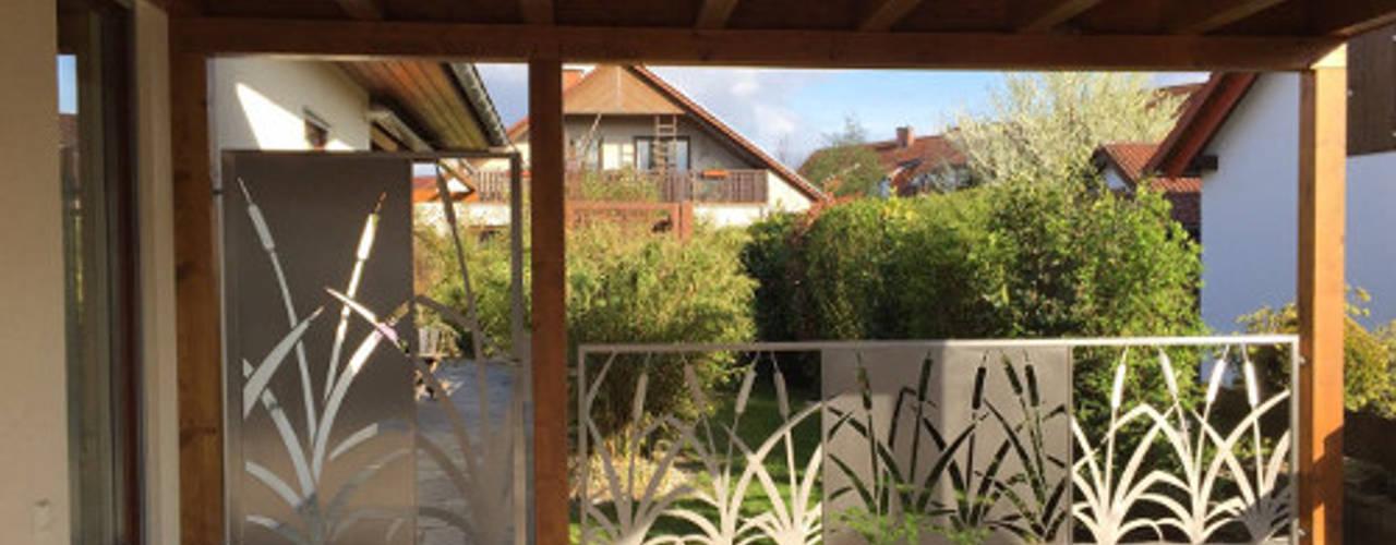 """""""Cat Tails"""" Moderner Garten von Edelstahl Atelier Crouse - individuelle Gartentore Modern"""