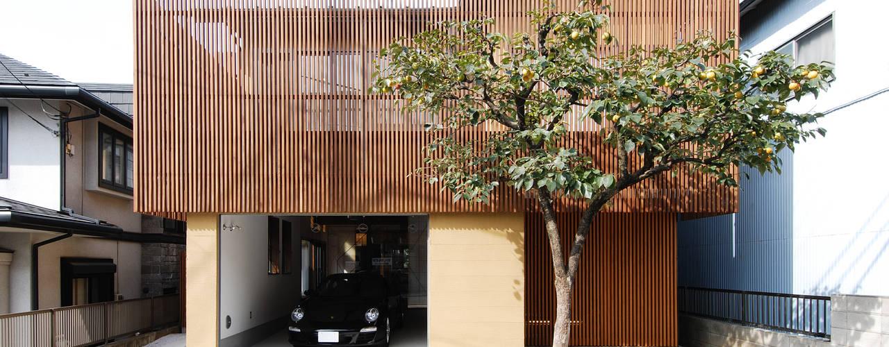 愛車と暮らす家ーリフォームー 日本家屋・アジアの家 の 藤井伸介建築設計室 和風