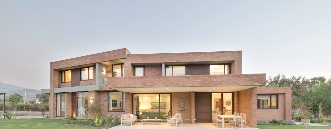 Casa Condominio Altos de Chicureo Casas estilo moderno: ideas, arquitectura e imágenes de Grupo E Arquitectura y construcción Moderno