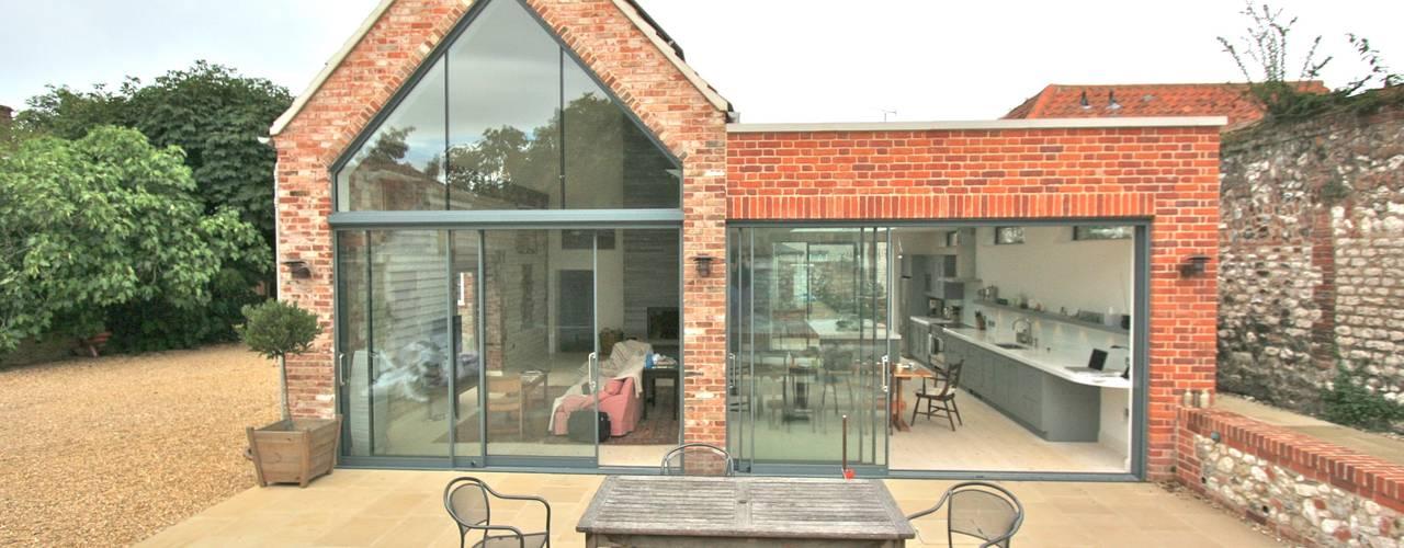 Brancaster, North Norfolk Kitchen Cocinas de estilo clásico de Laura Gompertz Interiors Ltd Clásico