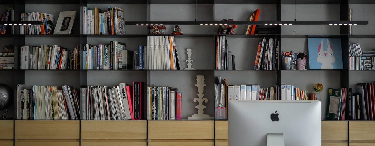Рабочие кабинеты в . Автор – 參與室內設計有限公司