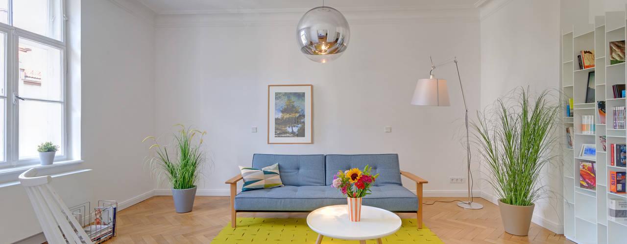 Гостиная в классическом стиле от arcs architekten Классический