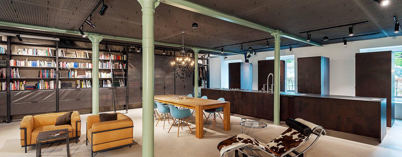Industrial style dining room by arcs architekten Industrial