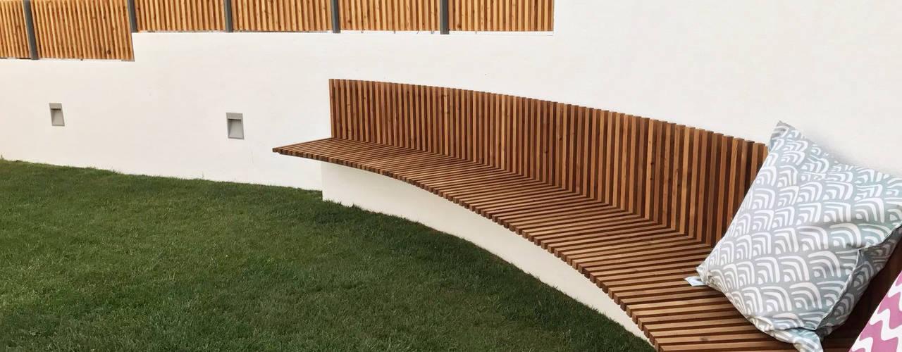Intervenção Jardim Jardins mediterrânicos por mube arquitectura Mediterrânico