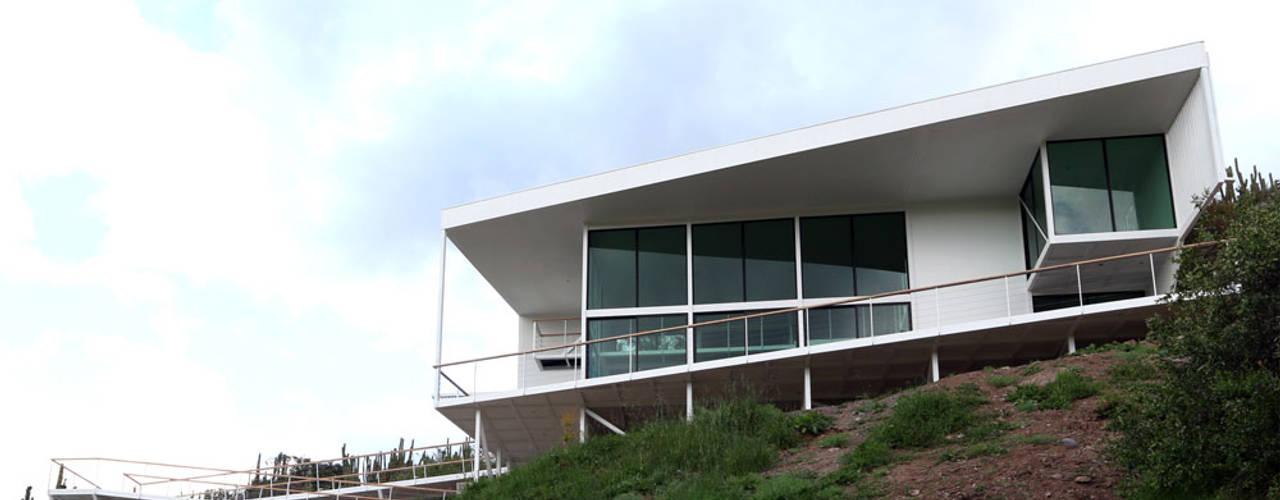 VENDO EXCLUSIVO LOFT  CERCANO A SANTIAGO VISTA PANORAMICA : Casas de estilo  por Directorio Inmobiliario