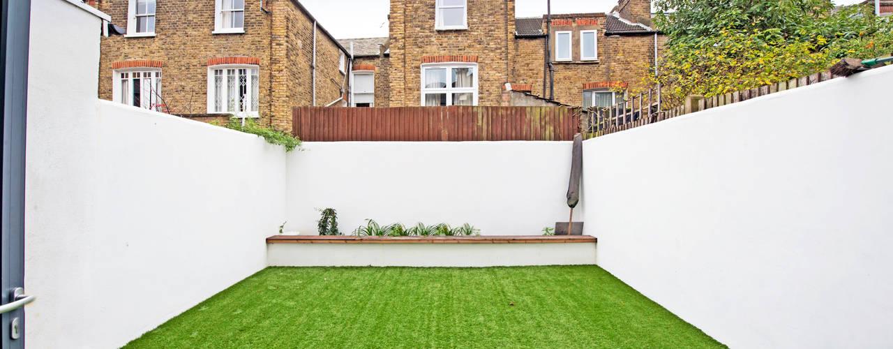 Elspeth Road - Battersea SW London:  Garden by dwell design,