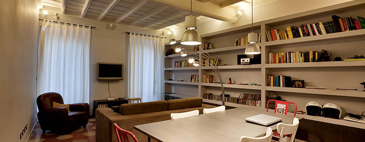 Modern dining room by Caterina Raddi Modern
