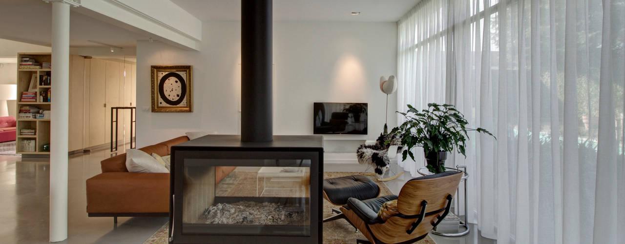Living room by CHORA architecten