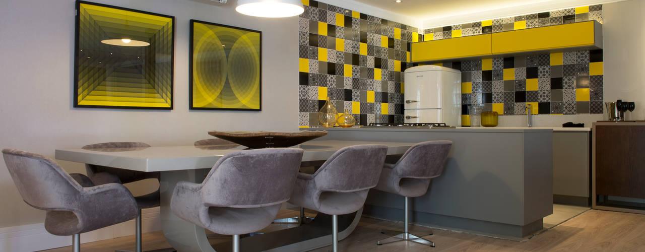 Столовые комнаты в . Автор – Karinna Buchalla Interiores