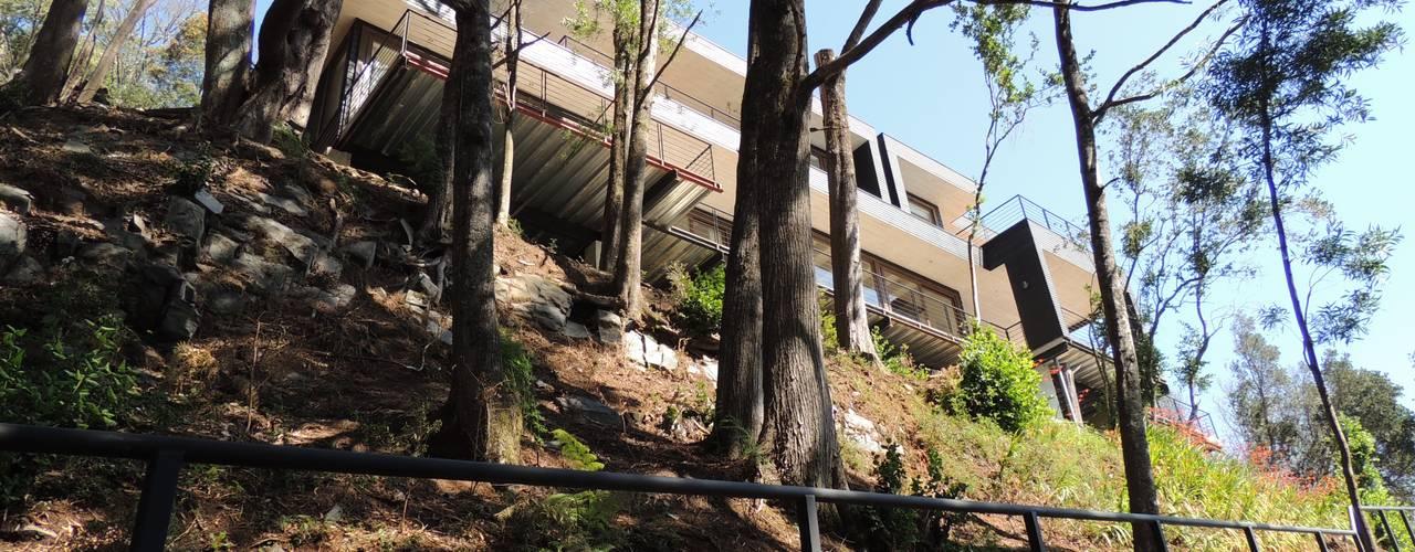 casa Balmaceda - Fontaine: Casas de estilo  por David y Letelier Estudio de Arquitectura Ltda.