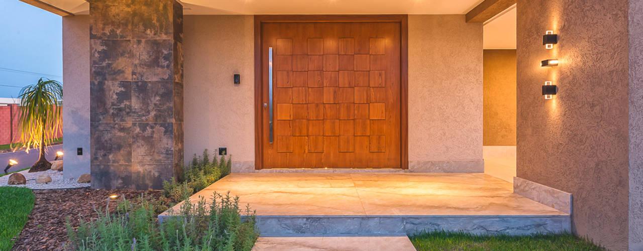 Casas de estilo  por 360+ arquitetura e interiores