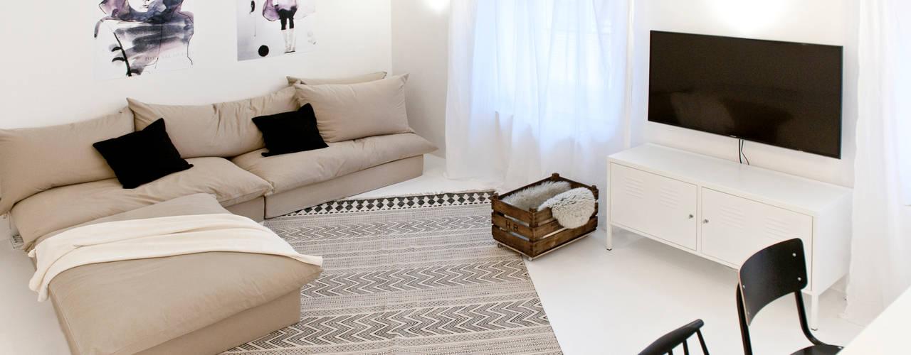 Salones de estilo  de freudenspiel - Interior Design