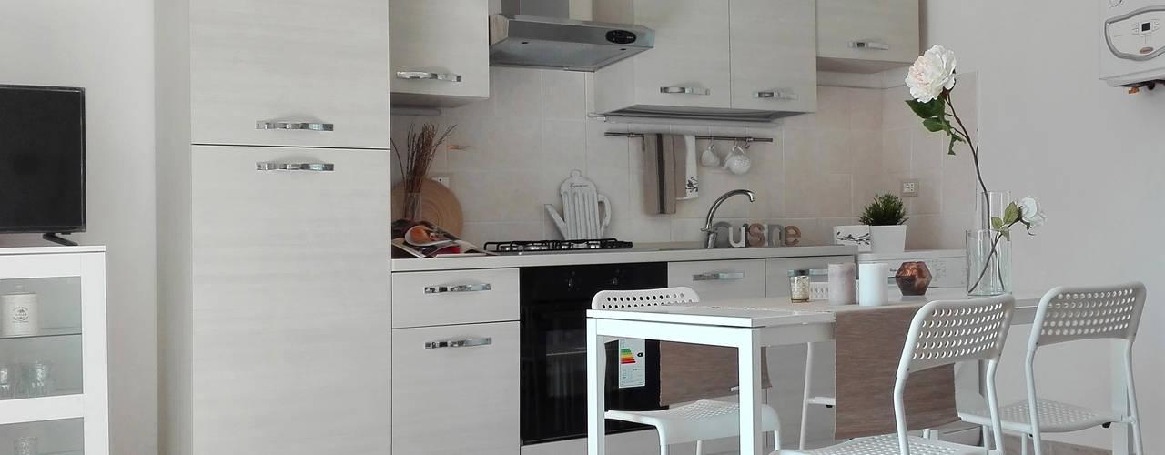 Projekty,  Salon zaprojektowane przez Sonia Santirocco architetto e home stager