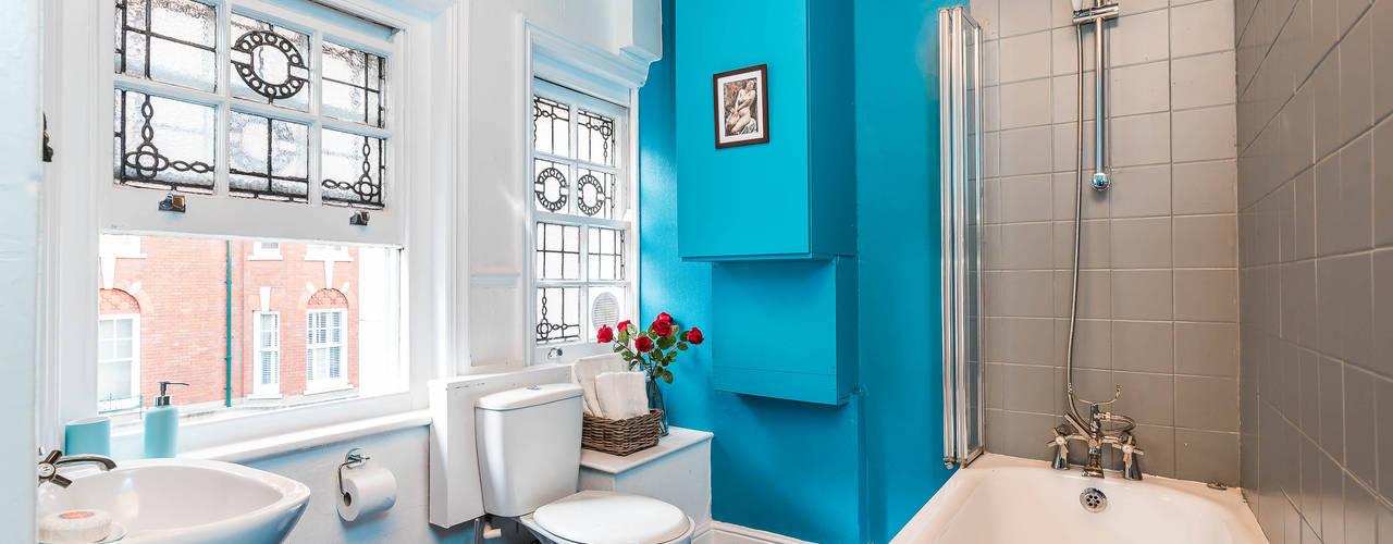 London Portman Refurbishment :  Bathroom by designSTUDIO - Lopes da Silva, Classic