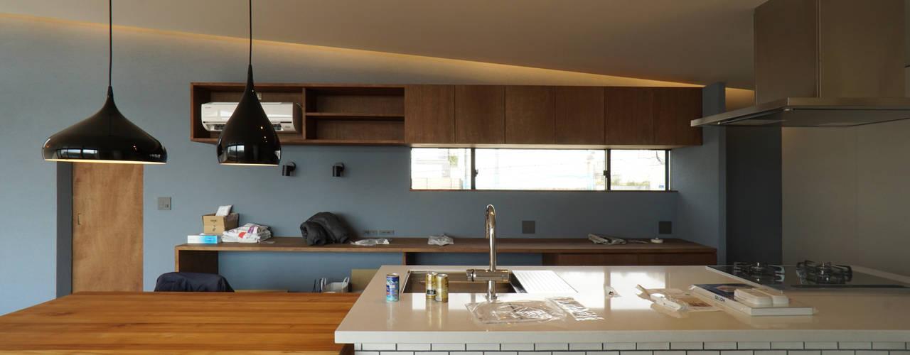 宝塚の家_太陽を取り込む家 北欧デザインの キッチン の 近藤晃弘建築都市設計事務所 北欧