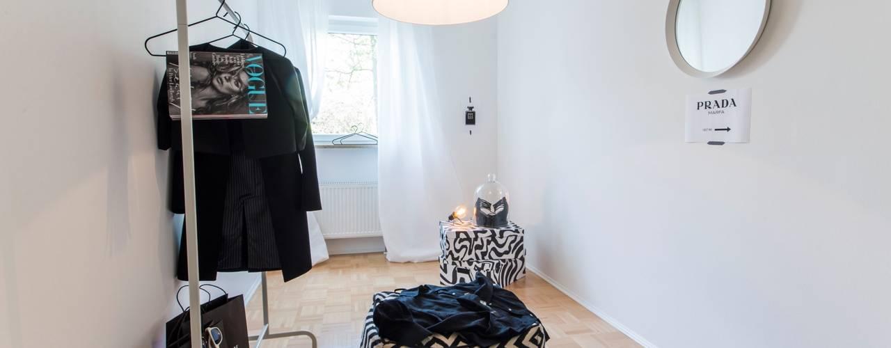 غرفة الملابس تنفيذ Münchner home staging Agentur GESCHKA