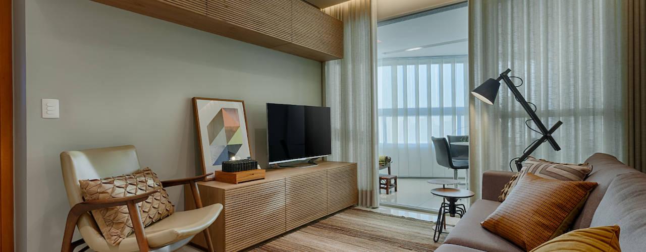 Sala de Estar : Salas de estar  por Renata Basques Arquitetura e Design de Interiores