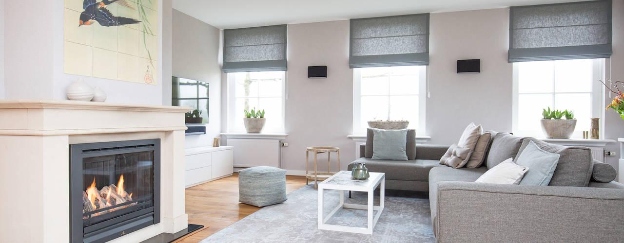 Livings de estilo  por Mignon van de Bunt Interieurontwerp, Styling & Realisatie