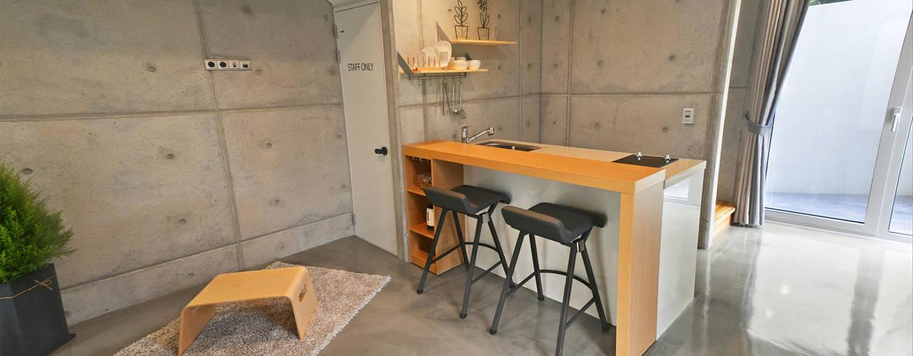 Phòng ăn theo 건축사사무소 어코드 URCODE ARCHITECTURE,