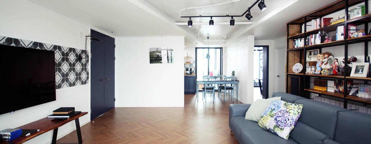 레트로 감성의 43평 아파트인테리어 컨트리스타일 거실 by 로하디자인 컨트리