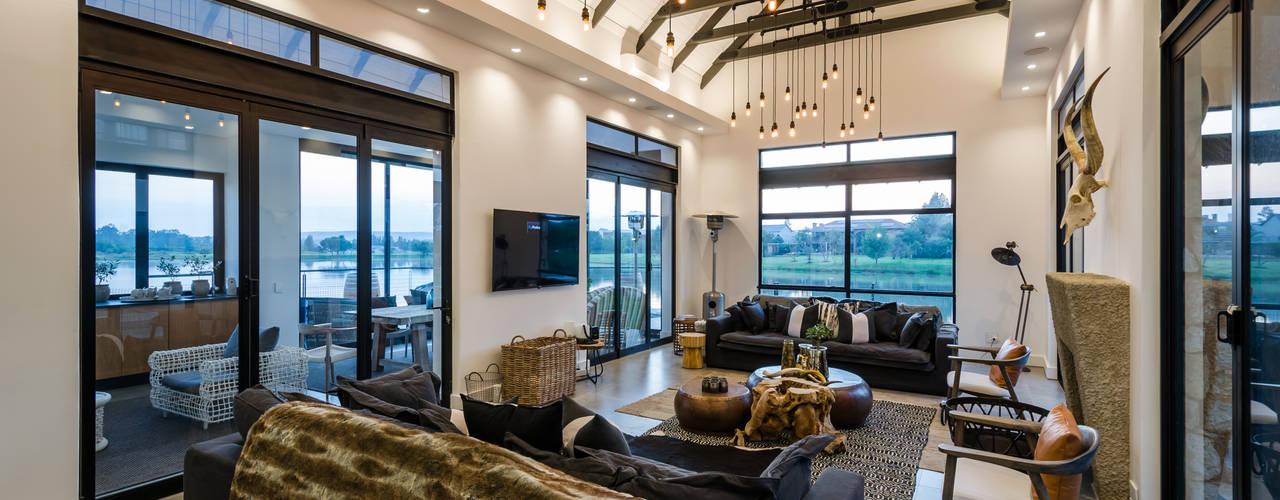 Modern Farmhouse - Silverlakes Nature Reserve: modern Living room by Karel Keuler Architects