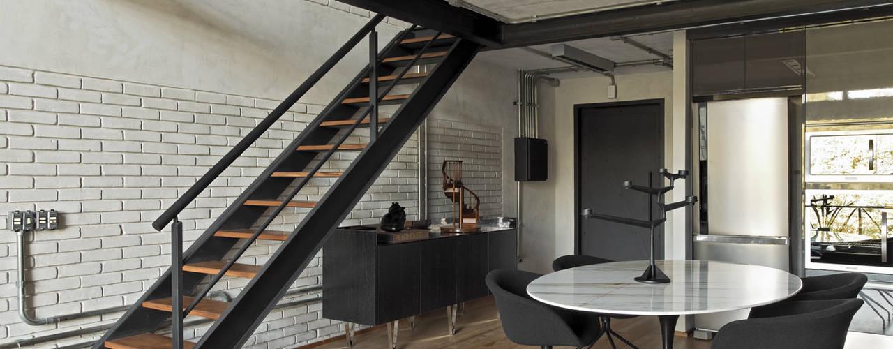 Koridor & Tangga Modern Oleh DIEGO REVOLLO ARQUITETURA S/S LTDA. Modern