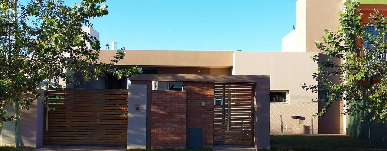 Casa Ts3_1: Casas de estilo  por ELVARQUITECTOS