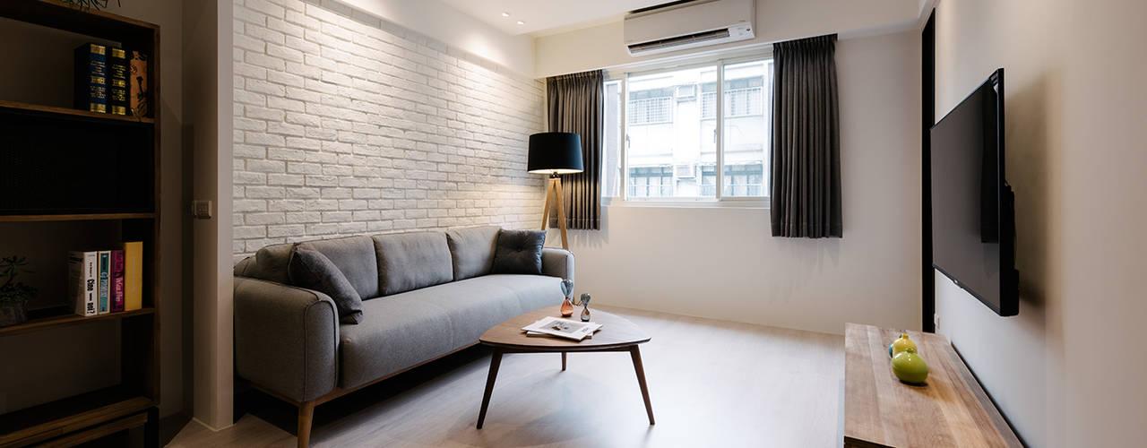 Livings de estilo  por 隹設計 ZHUI Design Studio
