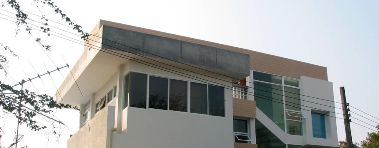 House @ ชินเขต:  บ้านและที่อยู่อาศัย by SDofA Architect