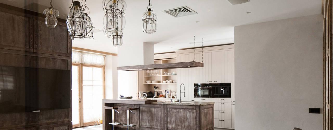 Апартаменты «ПАРАДНЫЙ КВАРТАЛ» ART Studio Design & Construction Кухня в классическом стиле
