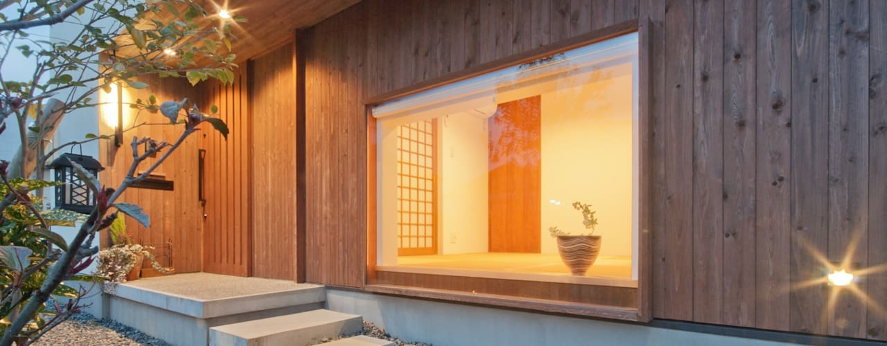 Pasillos y hall de entrada de estilo  por FrameWork設計事務所