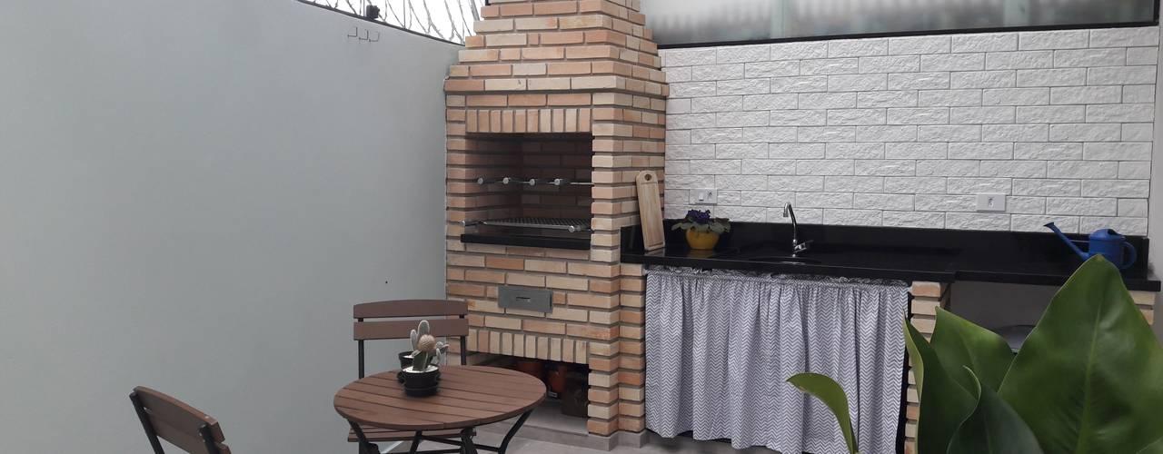 Modern balcony, veranda & terrace by Q2 Arquitetura Modern