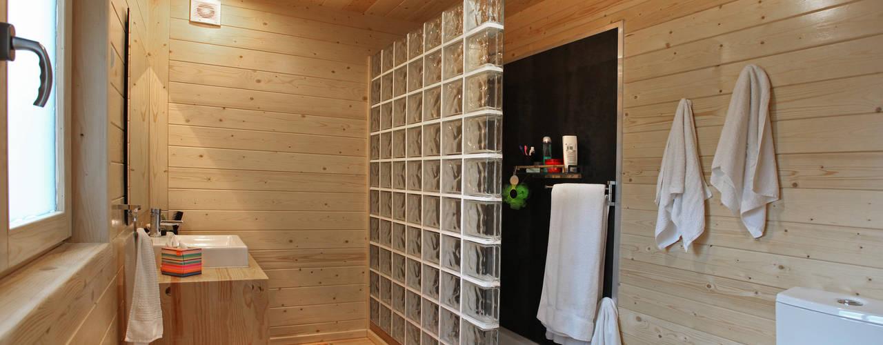 Baños de estilo minimalista de RUSTICASA Minimalista