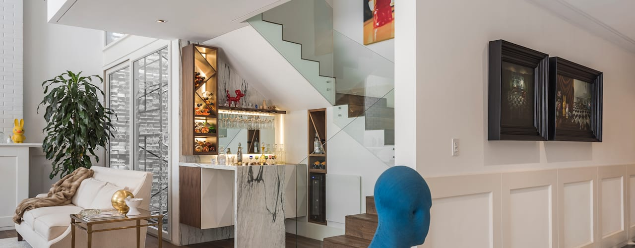 Classic style corridor, hallway and stairs by MAAD arquitectura y diseño Classic