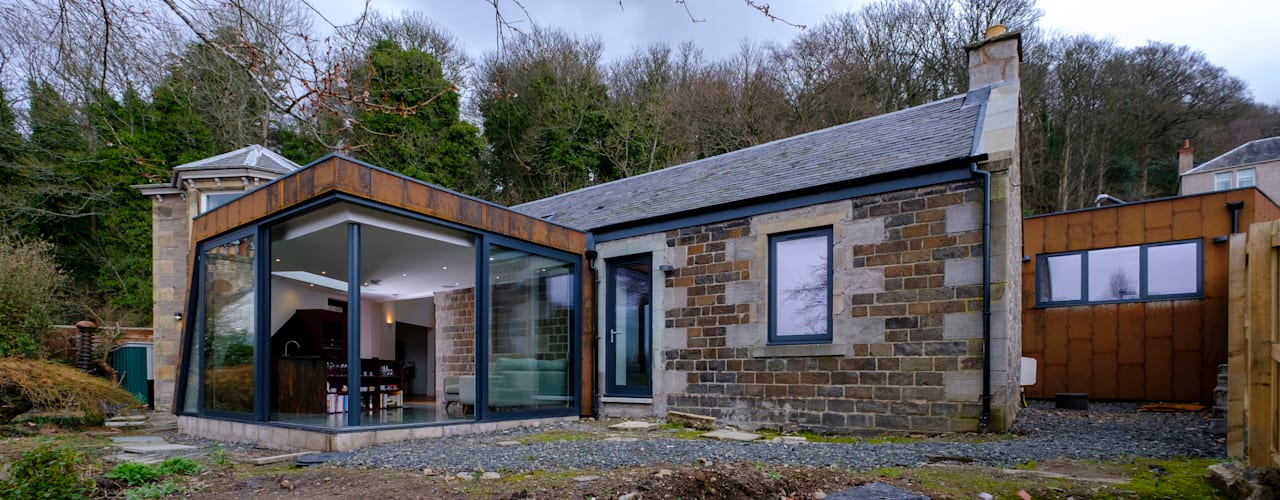 Woodend Cottage:  Houses by Woodside Parker Kirk Architects,