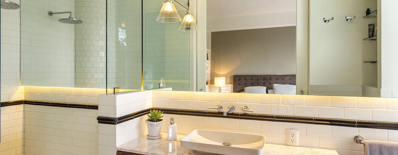 Baños de estilo  por Weber Arquitectos