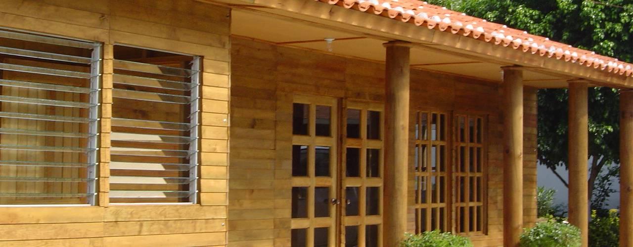 ALGUNAS DE NUESTRAS CONSTRUCCIONES REALIZADAS: Estudios y oficinas de estilo clásico por GRUPO CONSTRUCTOR RIO DORADO (MRD-TADPYC)