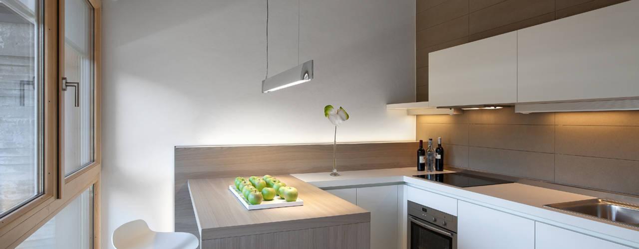 Luisa Fontanella architetto Modern Kitchen