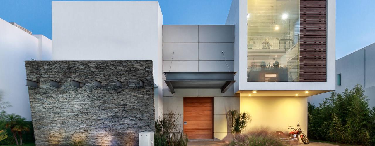 Projekty,  Domy zaprojektowane przez SANTIAGO PARDO ARQUITECTO,