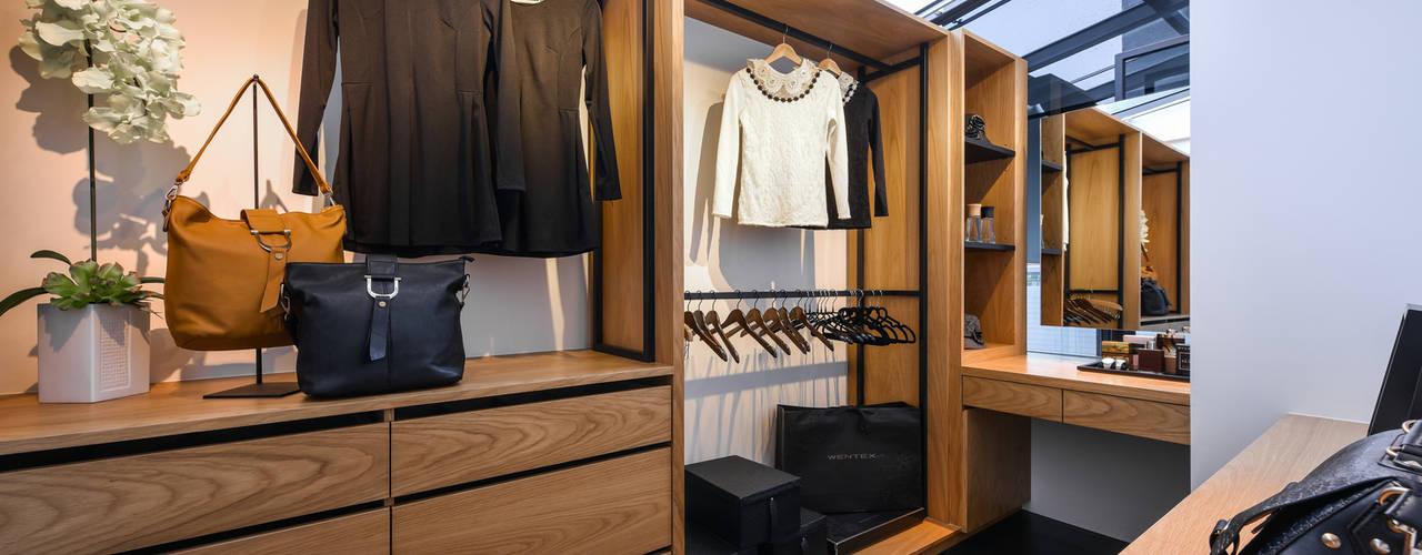 Modern Dressing Room by 存果空間設計有限公司 Modern