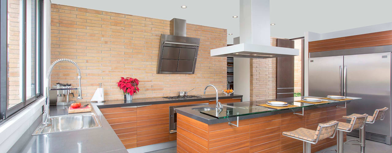 Cocina Snaidero - Proyecto terminado Atelier Casa: Cocinas de estilo  por ATELIER CASA S.A.S